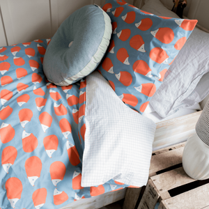 Anorak Kissing Hedgehogs Duvet Set - SUPER KING