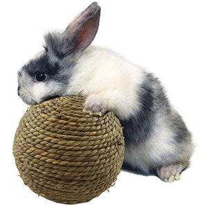 High quality Rabbit Small Pet Chewing Toy Natural Grass Ball Teeth Cleaning Small animals interactive playing toys for Xmas gift