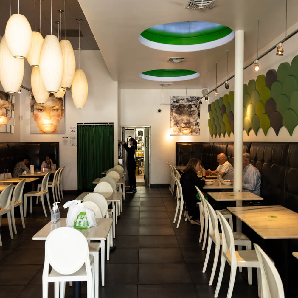 Interior ambience of Asian Mint located in Shops of Highland Park - Dallas | BuDhaGirl