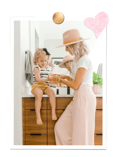 Kailee Wright with her cute daughter | BuDhaGirl