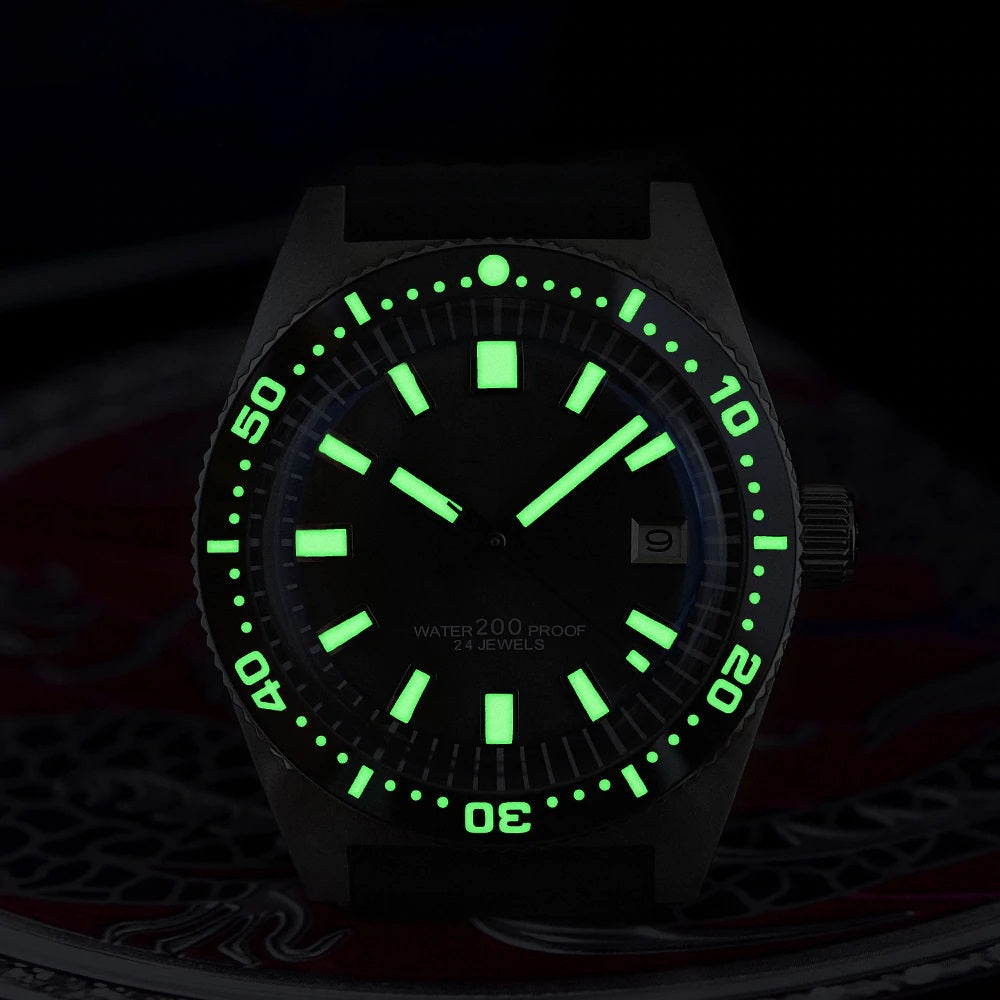 SAN MARTIN diving watch - luminous hands and markers
