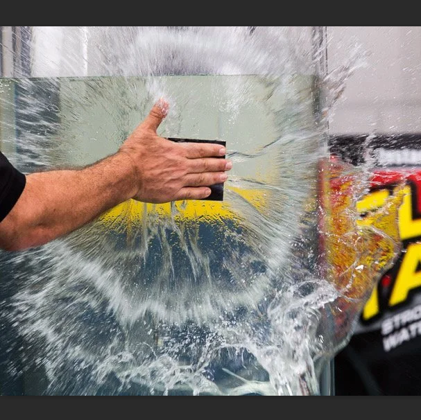 Flex Tape: Extreme Tape Instantly Fixes Cracks, Holes, Tears (Even  Underwater) - Black - 30CM*152CM