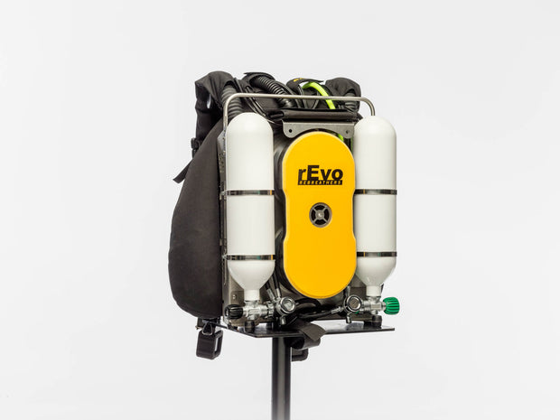 rEvo III Expedition MCCR with Petrel Monitor and rEvo Dream