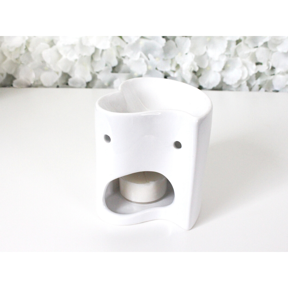 Gloss white tealight wax burner with heart design