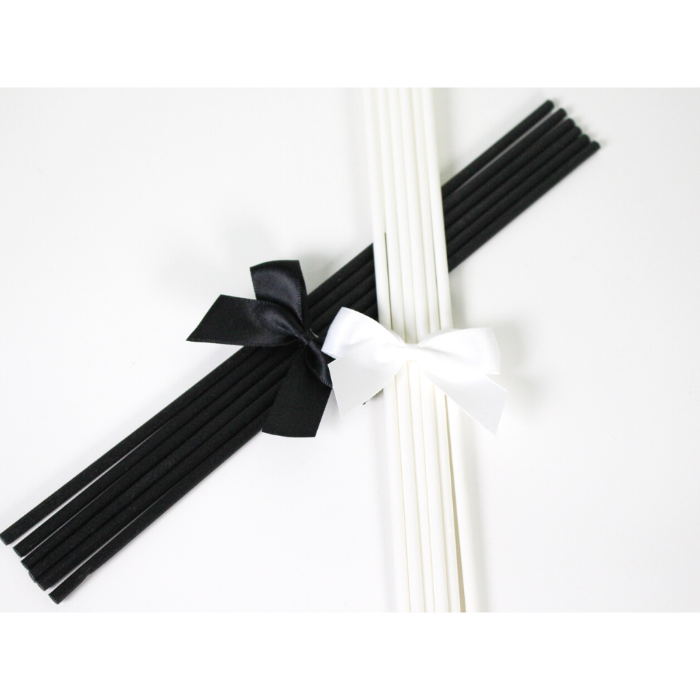 Black and White Silk Fibre Reeds for Reed Diffusers