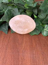 Load image into Gallery viewer, Himalayan Salt Palm Stone