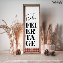 "Laden Sie das Bild in den Galerie-Viewer, Farmhouse Design Schild ""Frohe Feiertage"""