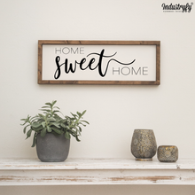 "Laden Sie das Bild in den Galerie-Viewer, Farmhouse Design Schild ""Home sweet Home"""