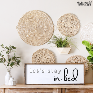 "Farmhouse Design Schild ""let's stay in bed 3"""
