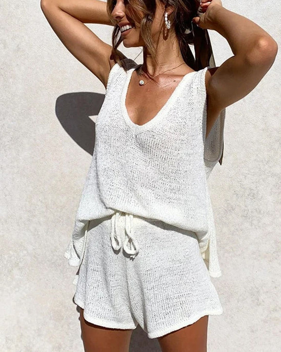 Deep V-neck Knitted Vest Tethered Shorts Casual Two-piece Suit