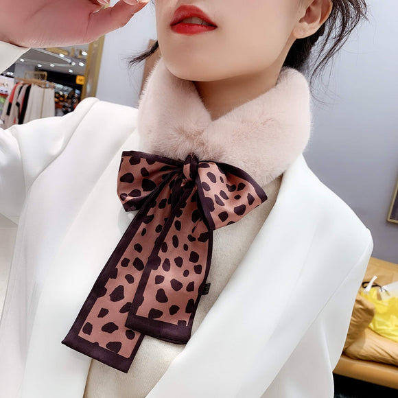 Vogue Plush Leopard Print Infinity Scarf for Women