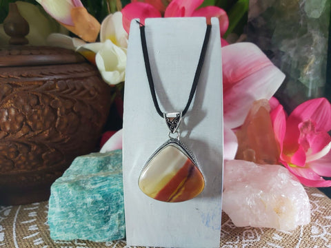 Mookaite Decision Making Pendant 925 Sterling Silver Plated (E885)