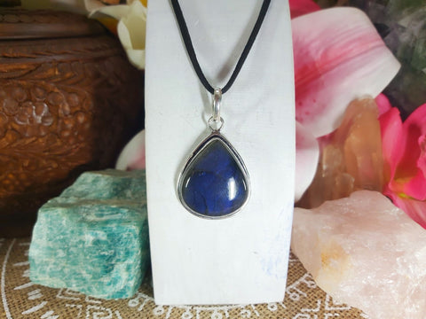 Labradorite Psychic Protection Pendant 925 Sterling Silver Plated (E892)