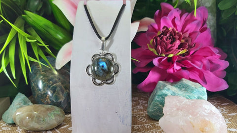 Labradorite Intuition & Protection Pendant 925 Sterling Silver Plated (E992)