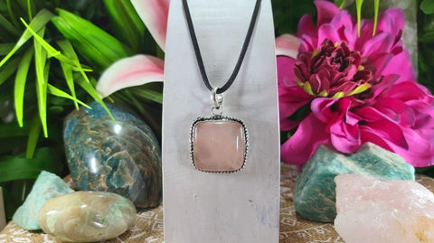 Rose Quartz True Love Gemstone Pendant 925 Sterling Silver Plated (E1007)