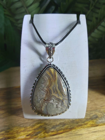 Crazy Lace Agate Pendant 925 Sterling Silver Plated (JPA23)