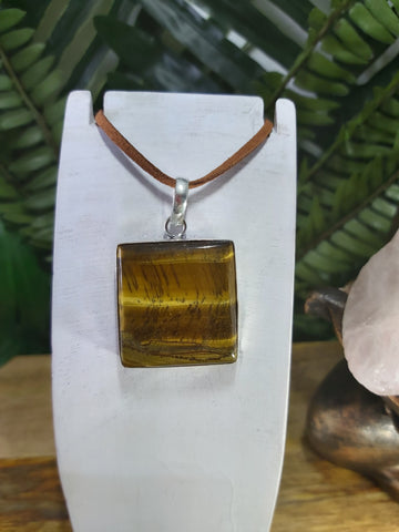 Tiger Eye Pendant 925 Sterling Silver Plated (JPTE3)