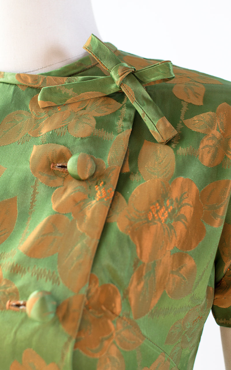 $50 & UNDER SALE || 1960s Floral Hawaiian Satin Blouse | small