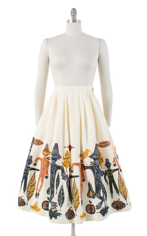 SOLD || 1950s Scarecrow, Pumpkins & Leaves Novelty Border Print Skirt | small