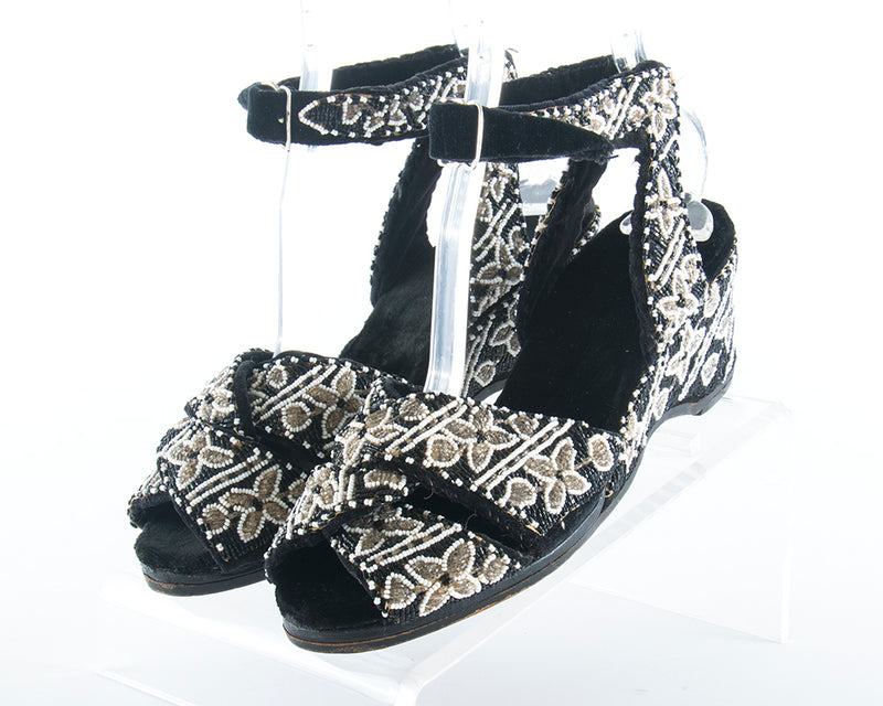 1940s Beaded Black Velvet Wedge Sandals | size 8