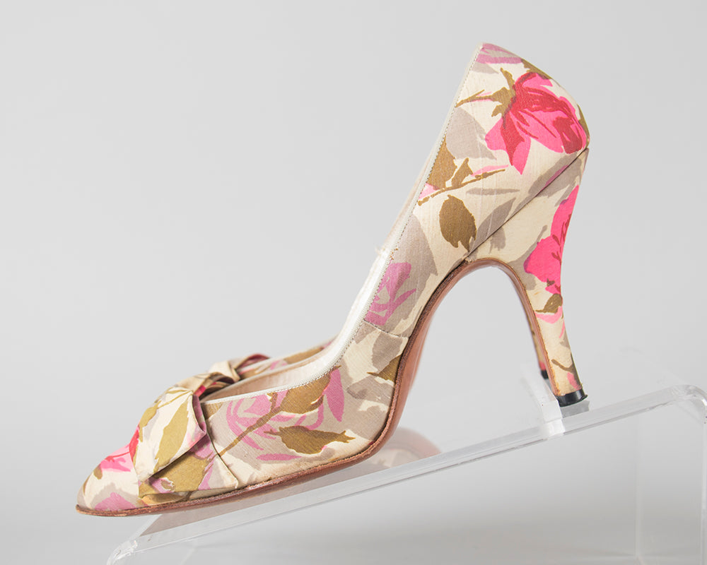 SOLD || 1950s Pink Silk Rose Heels | size 5/5.5