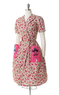 1950s Lady & Gentleman Novelty Print Floral Wrap Dress