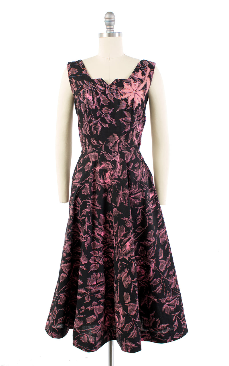 1950s Rose Print Appliqué Rhinestones Black Cotton Sundress | x-small
