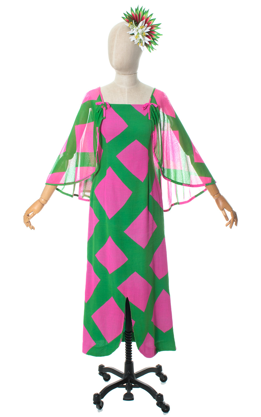 1960s Hawaiian Geometric Cotton Cape Sleeve Dress