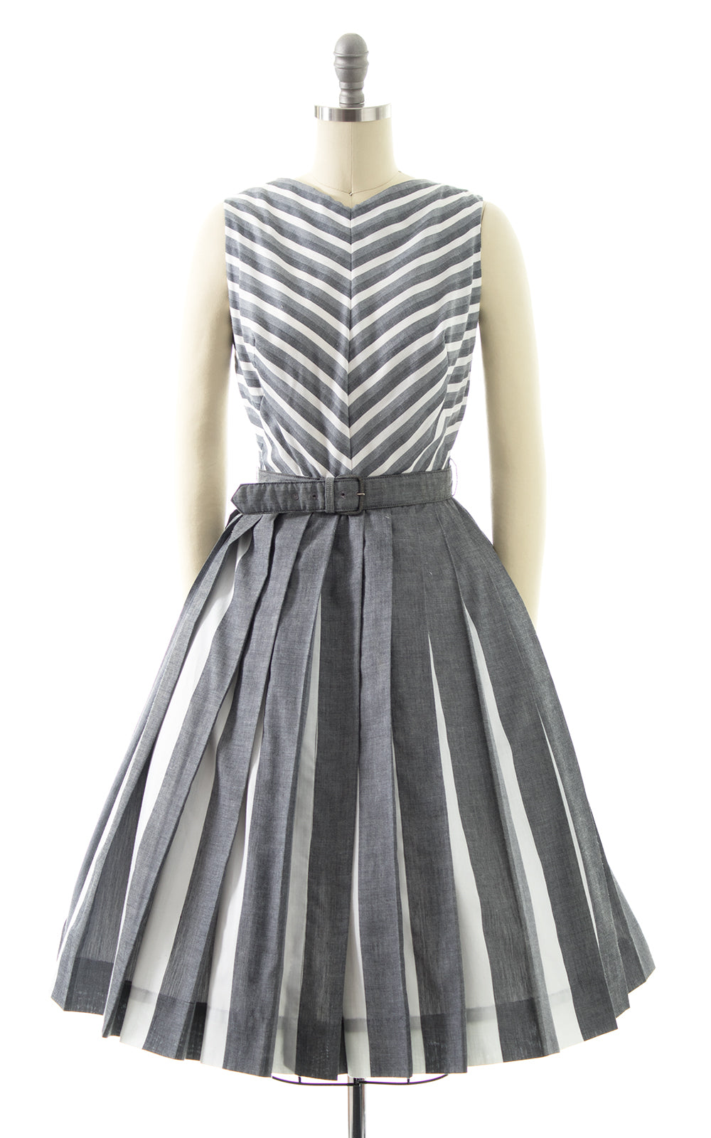 1950s Chevron Striped Cotton Pleated Sundress