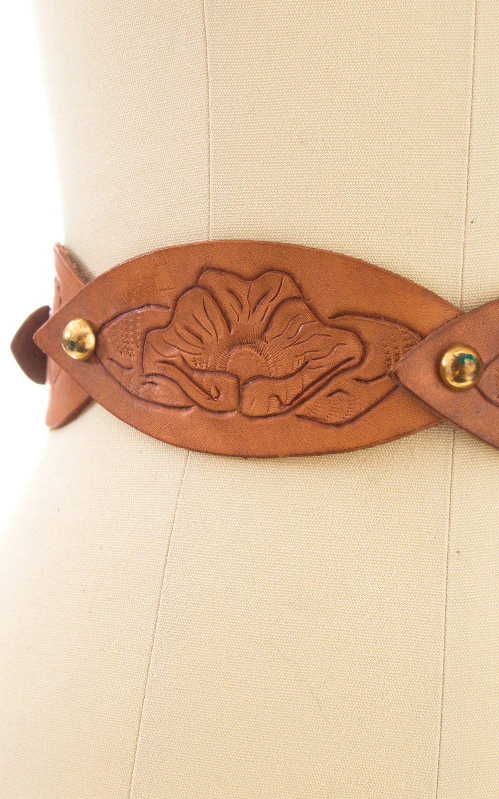 1970s Floral Tooled Leather Cinch Belt