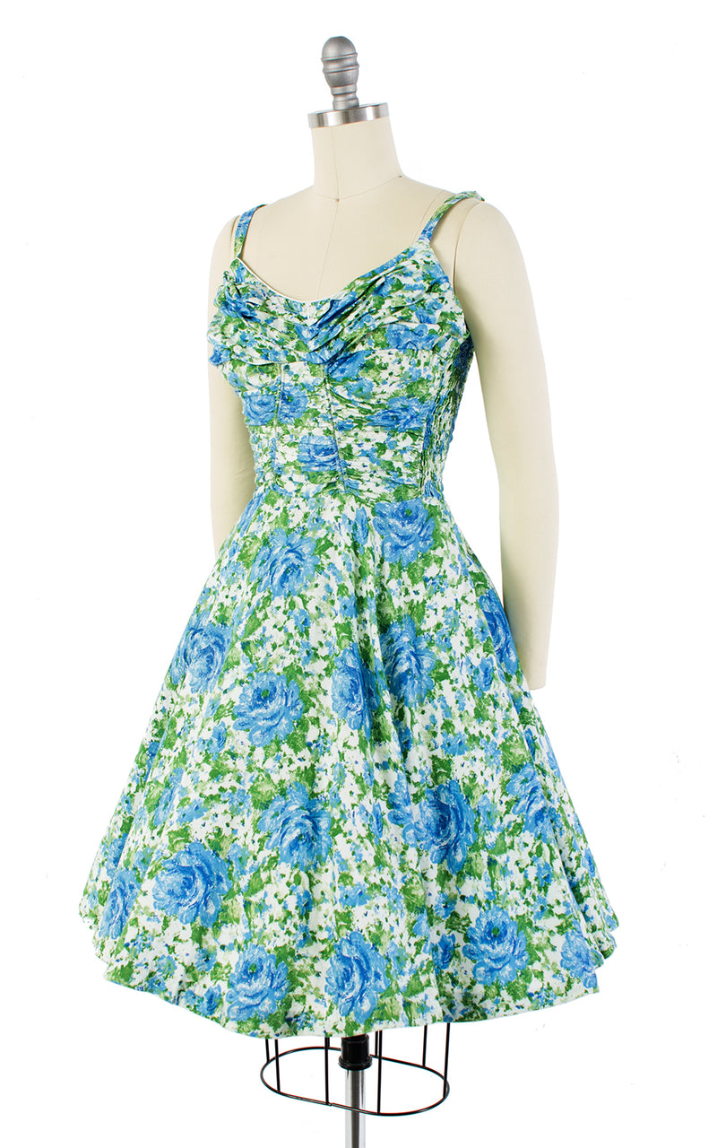 1950s Blue Roses Smocked Sundress | x-small/small