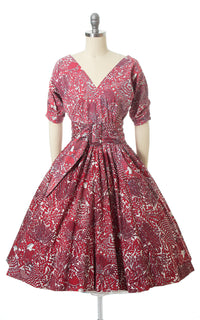1950s Gardening Ladies Novelty Print Dress