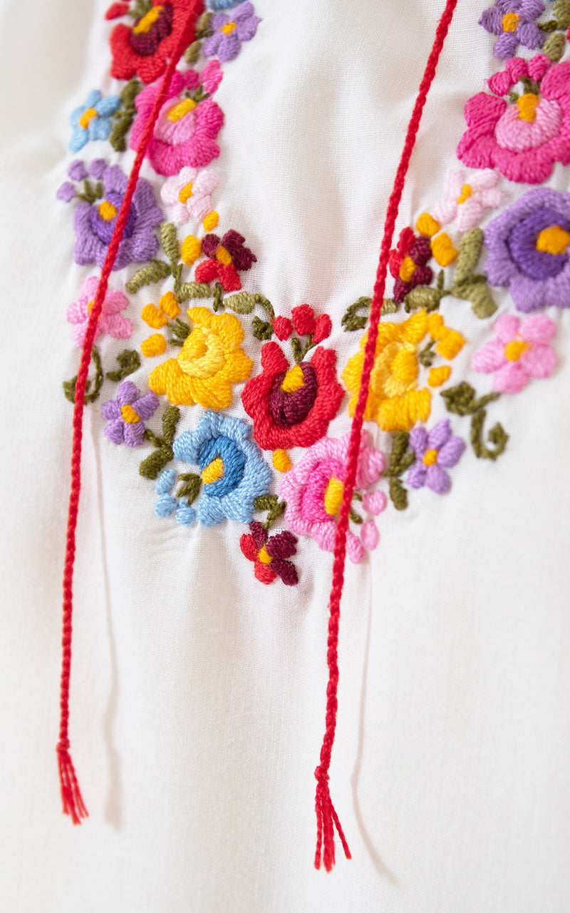 1970s Floral Embroidered Cotton Peasant Top | small/medium