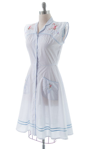 1970s 1980s Rose Embroidered Shirt Dress with Pockets | medium