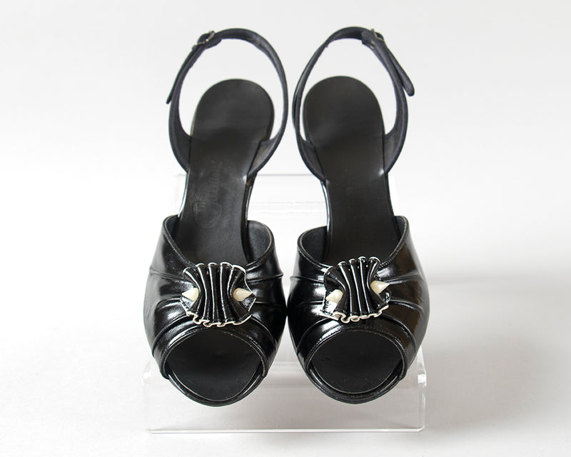 SOLD || 1950s 1960s Black Patent Leather Ruffled Heels | size 8.5 9