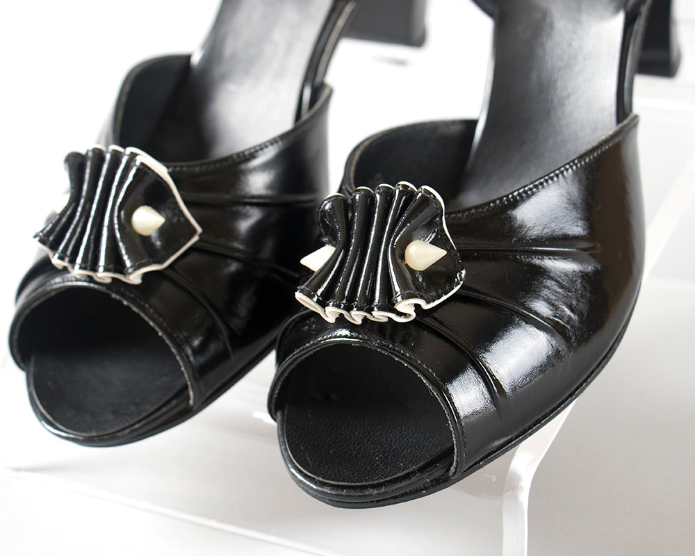 1950s 1960s Black Patent Leather Ruffled Heels | size 8.5 9