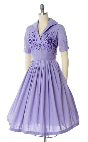 1950s Floral Embroidered Lavender Dress
