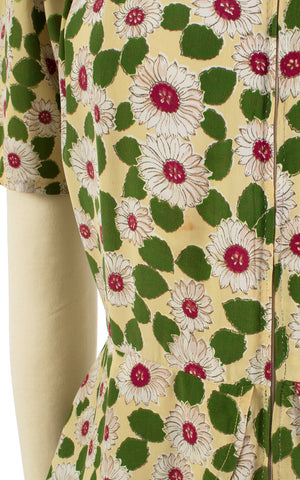 1940s Daisy Print Rayon Peplum Zip Front Dress