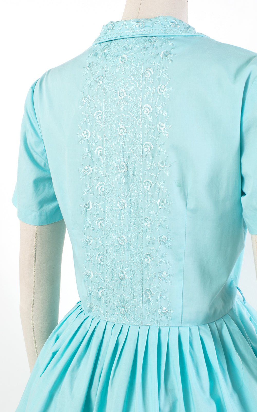 1950s Floral Embroidered Blue Cotton Shirtwaist Dress | large