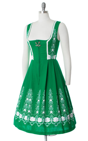 1980s Hearts & Roses Embroidered Kelly Green Dirndl