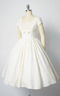 1950s Lace & Tulle Cupcake Wedding Dress