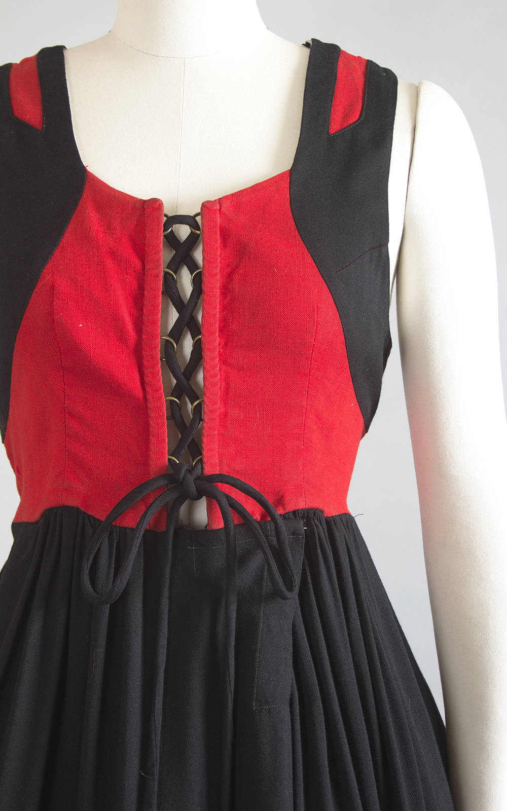 Vintage 1950s 1960s Dress | 50s 60s Traditional German Dirndl Cotton Lace Up Oktoberfest Red Black Full Skirt Folk Sundress (large/xl)