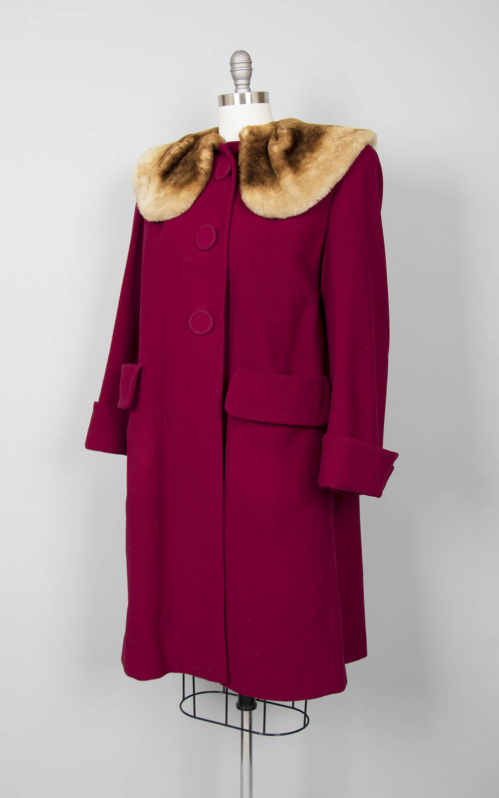 Vintage 1940s Coat | 40s Wool Mouton Lamb Fur Collar Plum Burgundy Warm Winter Swing Coat (medium/large)