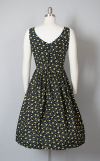 Vintage 1950s Dress | 50s Black Floral Cotton Sun Dress Full Skirt Sundress (medium/large)