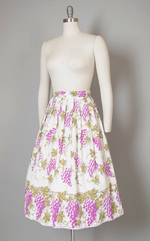Vintage 1950s Skirt | 50s Grapes Novelty Border Print Cotton Seersucker White Purple Full Swing Skirt (medium)