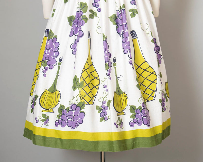 Vintage 1950s Skirt | 50s Grapes Wine Novelty Border Print Cotton White Purple Full Swing Skirt (small)