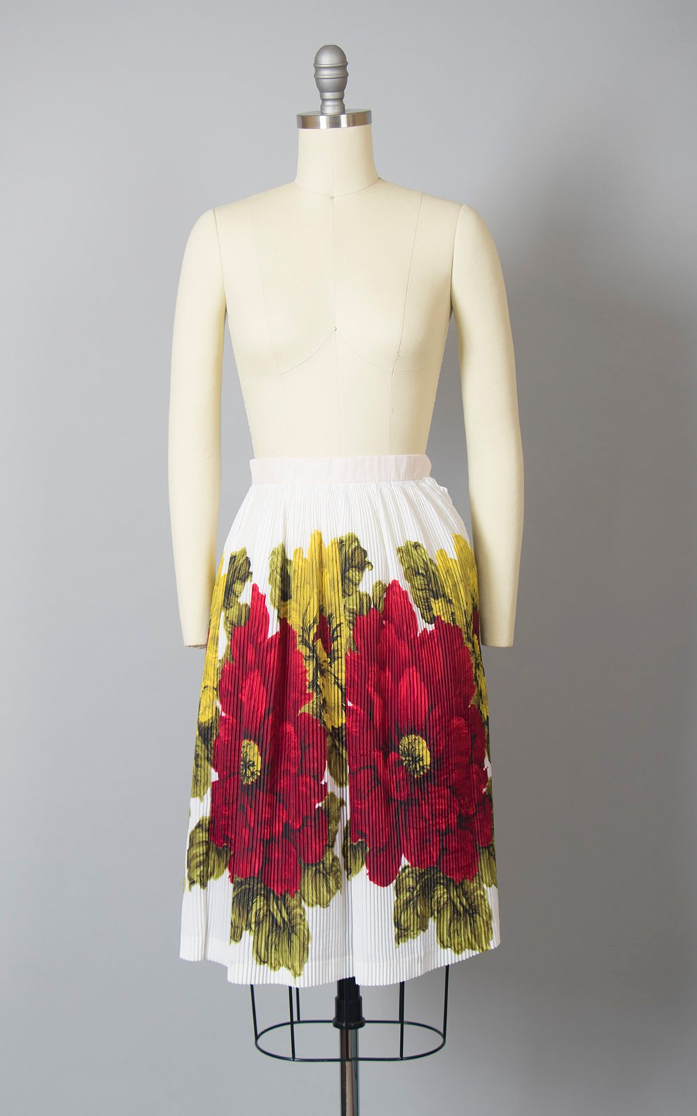Vintage 1960s Skirt | 60s Oversized Floral Border Print Fortuny Pleated Red White Full Skirt (xxs/xs)