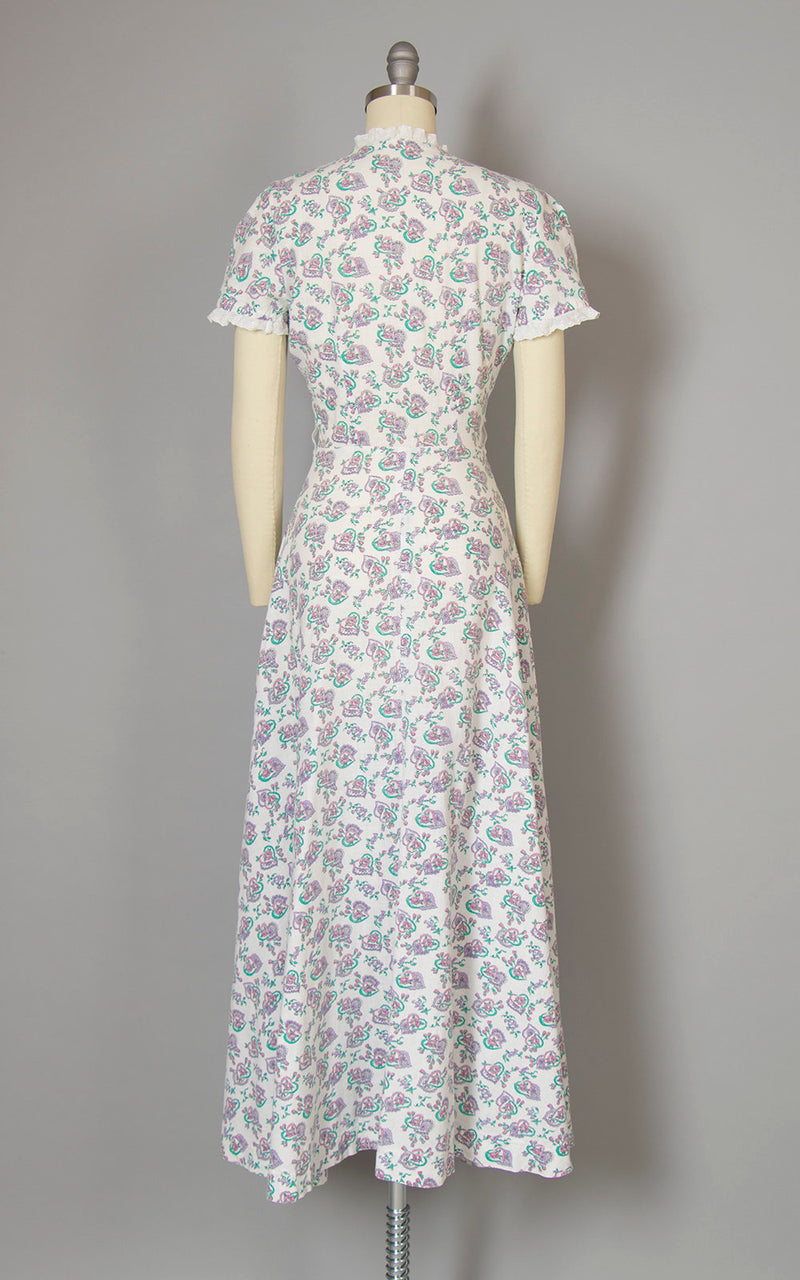 Vintage 1940s Dress | 40s Hearts Floral Novelty Print Cotton White Lace Zip Front Maxi House Dress (small)