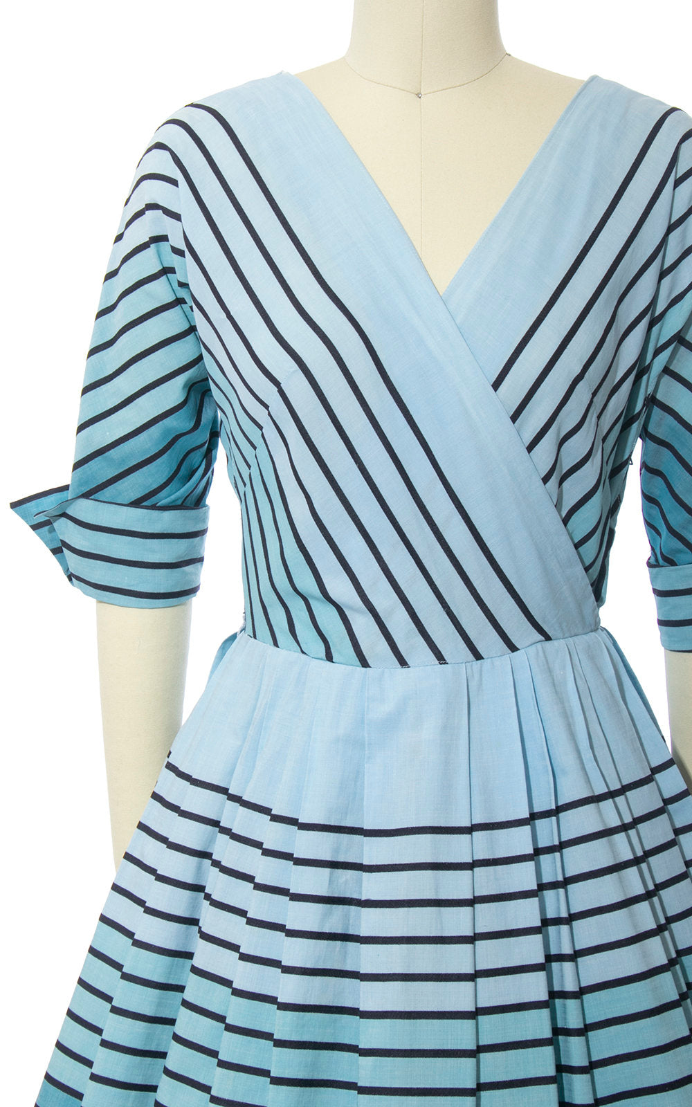 Vintage 1950s Dress | 50s Striped Ombré Blue Cotton Full Skirt Day Dress (small)