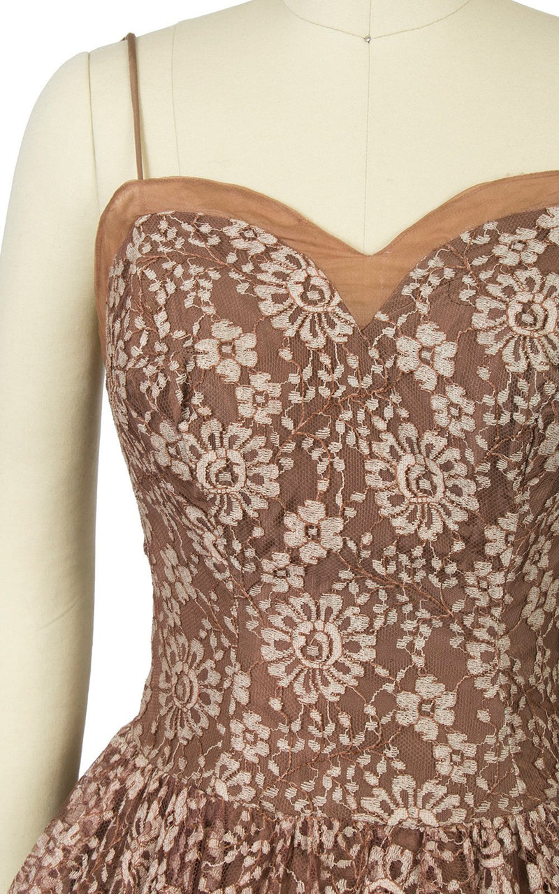 Vintage 1950s Dress | 50s LILLI DIAMOND Lace Light Brown Sweetheart Neckline Sleeveless Full Skirt Party Dress (small)